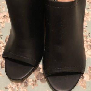 Black block heel